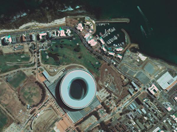 Les stades de la Coupe du monde vus par satellite CapeTown_stadium_600