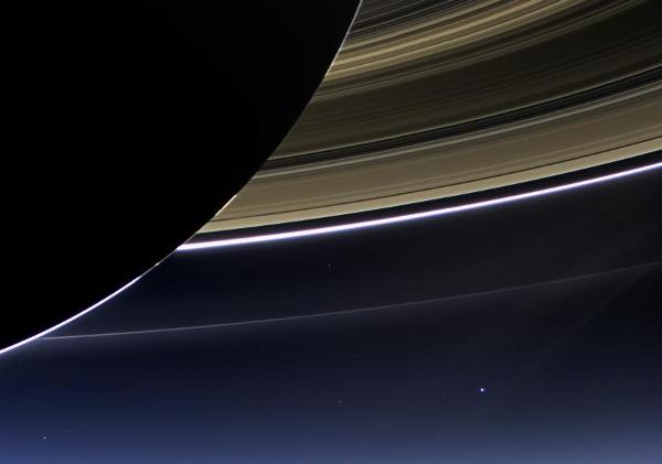 Notre petite planète : la Terre. Terredepuissaturne1