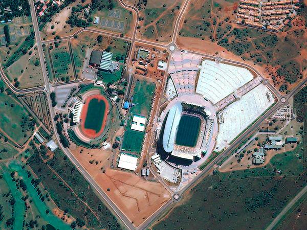 Les stades de la Coupe du monde vus par satellite Polokwane_stadium_600