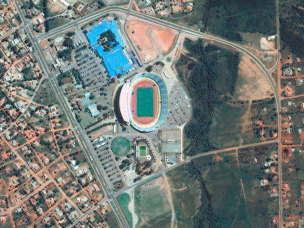 Les stades de la Coupe du monde vus par satellite Rustenburg_stadium_600
